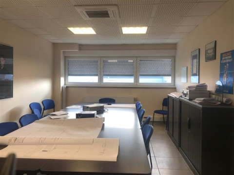 Location Activités Entrepôts GRIESHEIM PRES MOLSHEIM - Photo 1