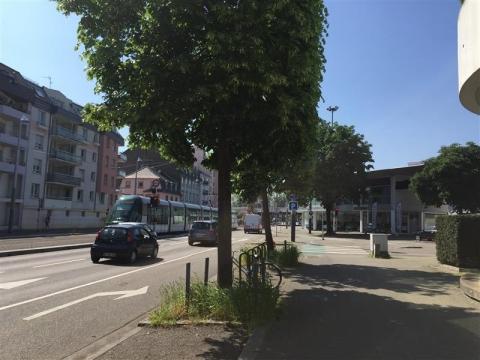 Location Commerces STRASBOURG - Photo 1