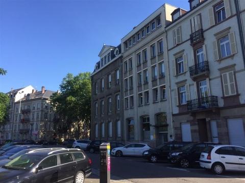 Belle surface de bureaux divisibles à louer - Place Haguenau