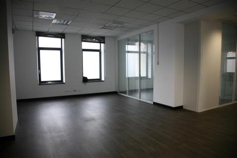 A louer en pied d'immeuble - Bureaux et/ou commerce avec vitrine