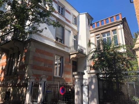 A louer - Immeuble indépendant de bureaux - Strasbourg Orangerie