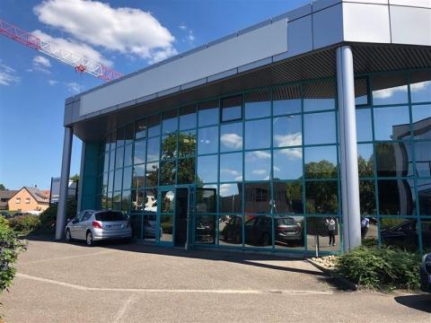 Belle surface commerciale/bureau/showroom - Achat / Location - Sud Strasbourg