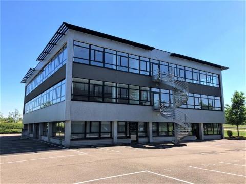 Location Bureaux ENTZHEIM - Photo 1
