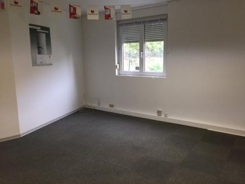 Petites surfaces de bureaux avec possibilité d' archive/stockage à La Vigie