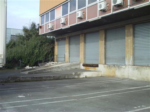 A LOUER ENTREPOT 1380 M² - BORDEAUX LAC