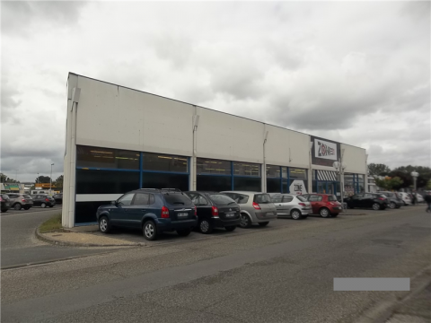 A LOUER 457 m² / LOCAL COMMERCIAL