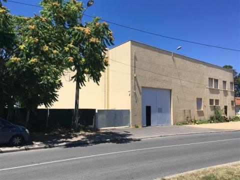 A LOUER - LOCAL D'ACTIVITES - BORDEAUX NORD - 600 m²