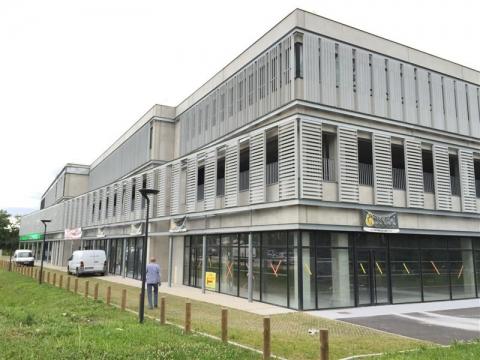 Location Commerces MERIGNAC - Photo 1