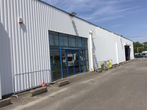 A LOUER - LOCAL COMMERCIAL - 540 m²