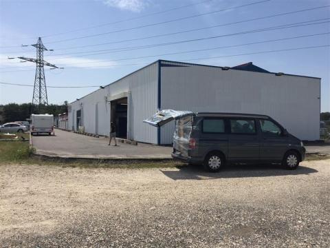 A LOUER - LOCAL ACTIVITES - 540 m²