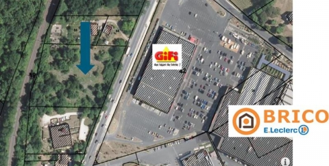 Location Commerces AMBARES ET LAGRAVE - Photo 1