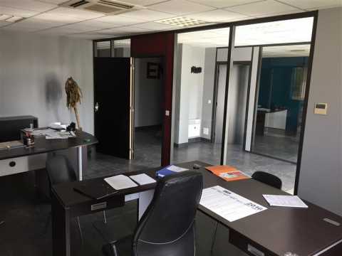 Location Activités Entrepôts TRESSES - Photo 3