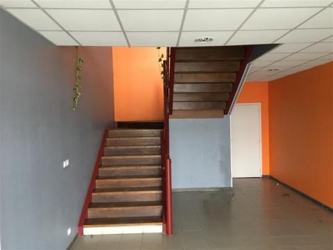 Location Bureaux LE HAILLAN - Photo 2