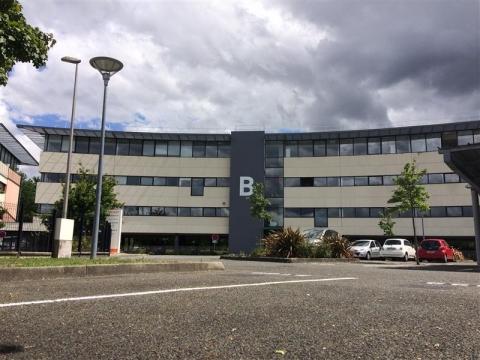 A LOUER - BUREAUX - 391 m²