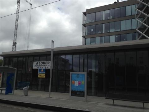 Location Commerces LORMONT - Photo 1