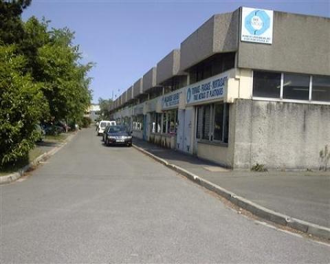 Location Activités Entrepôts SAINT OUEN L'AUMONE - Photo 1
