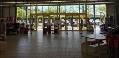 Location Commerces BRETIGNY SUR ORGE - Photo 4