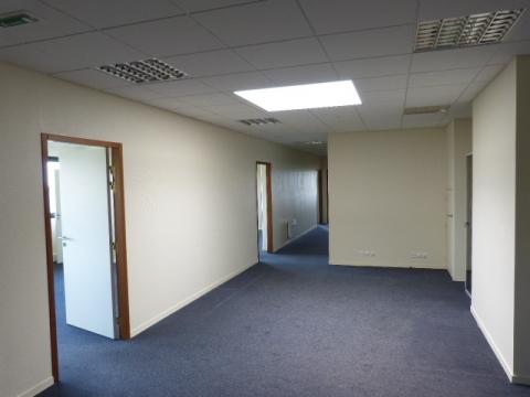 Location Bureaux SAINT CONTEST - Photo 3
