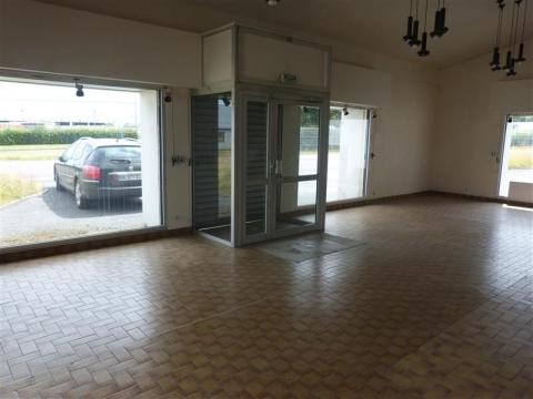 Location Activités Entrepôts SAINT LO - Photo 1