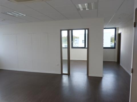 Location Bureaux LOUVIGNY - Photo 2