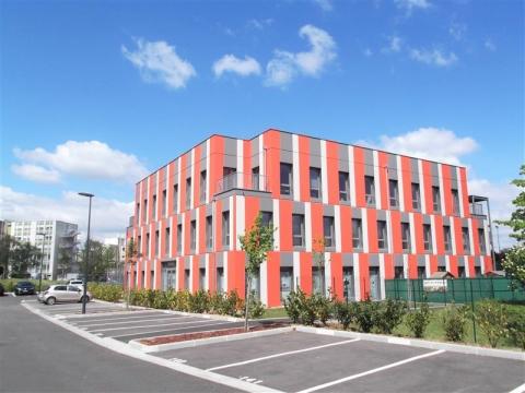 Location Bureaux FRANCHEVILLE - Photo 1