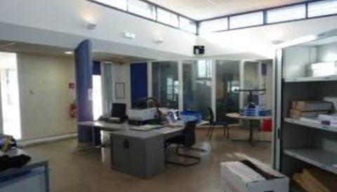Vente Utilisateur Bureaux MONTBRISON - Photo 2