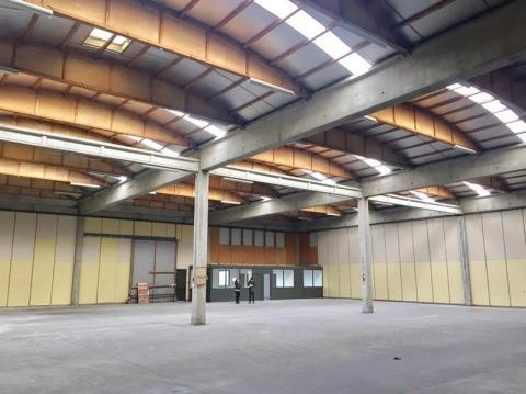 Location Activités Entrepôts SAINT PRIEST - Photo 2