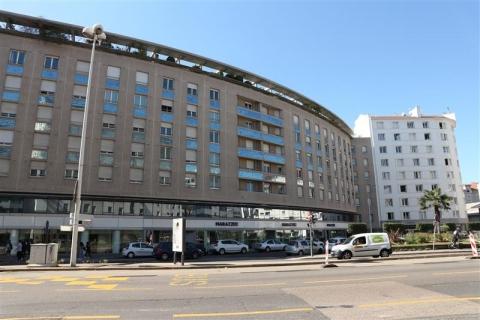 Location Commerces LYON - Photo 1