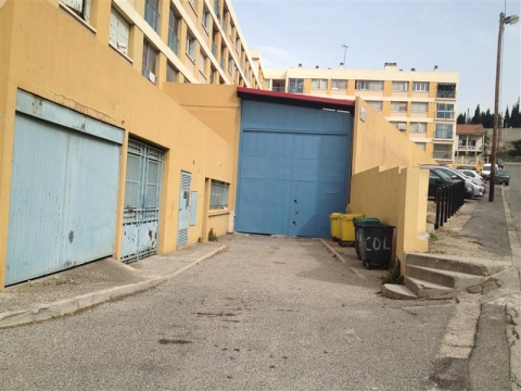 Location Entrepôts MARSEILLE - Photo 1