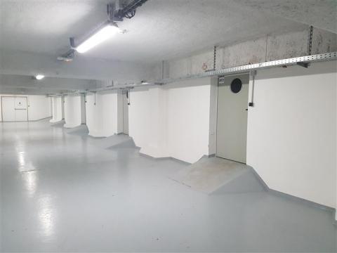 Location Activités Entrepôts MARSEILLE - Photo 1