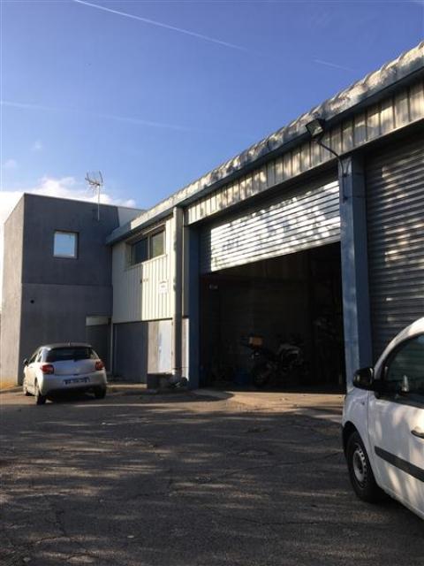 Location Entrepôts EGUILLES - Photo 3