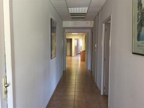 Location Bureaux SAINT CANNAT - Photo 3