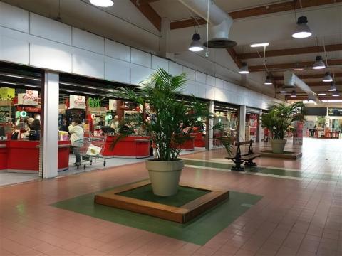 Location Commerces SAINT VICTORET - Photo 1