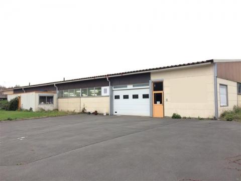 Location Activités Entrepôts SANTES - Photo 1