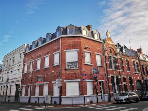 A VENDRE | A LOUER - IMMEUBLE DE BUREAUX INDÉPENDANT - CENTRE-VILLE