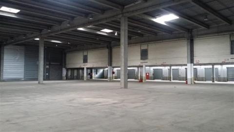 Location Entrepôts LESQUIN - Photo 4