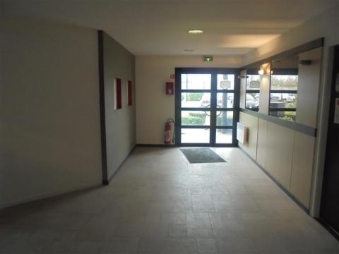 Location Bureaux LEZENNES - Photo 2
