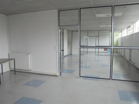 Location Bureaux LESQUIN - Photo 2