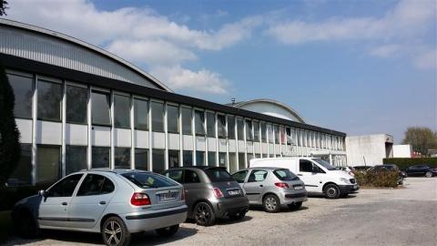 Location Bureaux LESQUIN - Photo 1