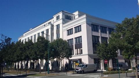 Location Bureaux CHESSY - Photo 1