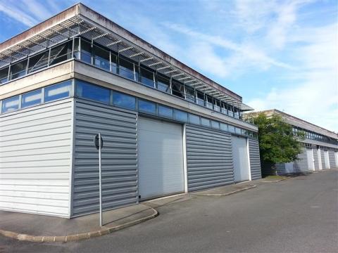 ESPACE CROISSY - A louer locaux mixtes bureaux et activités proche de l'autoroute A4