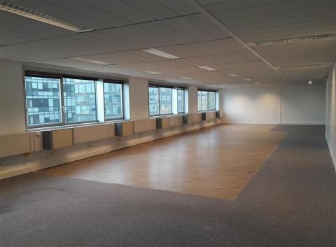 Vente Investisseur Bureaux NOISY LE GRAND - Photo 1