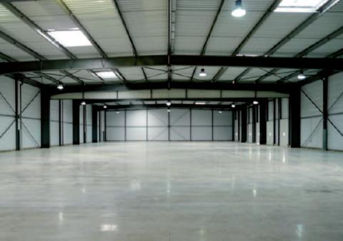 Bâtiment indépendant - Locaux d'activités à vendre proche A4