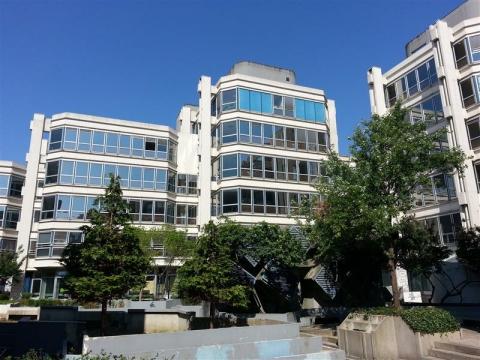 Le Central 1 - Bureaux à louer au sein du quartier d'affaires du Mont d'Est