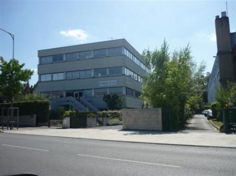 Location Bureaux et activités légères LE BLANC MESNIL - Photo 1