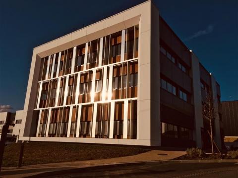 Location Bureaux GROSLAY - Photo 1