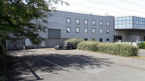 Location Bureaux et activités légères ROISSY EN FRANCE - Photo 2