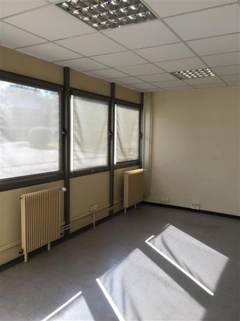 Location Activités Entrepôts GONDREVILLE - Photo 9