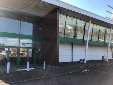 Location Commerces AUGNY - Photo 2