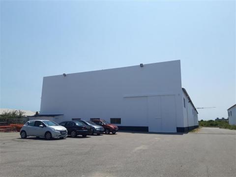 ENTREPOT 1.500 m² - PROCHE ATLANTIS